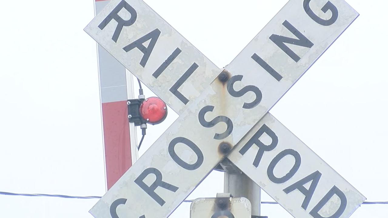 Railroad crossing Hamilton