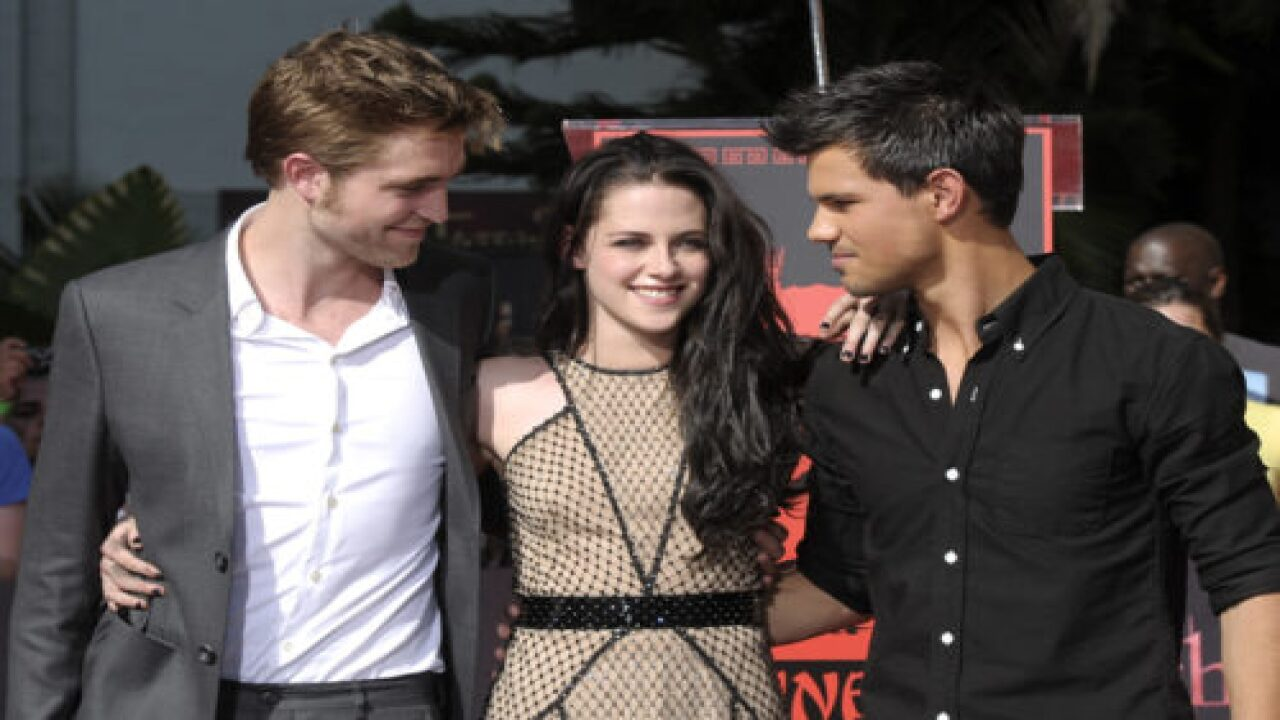 Stephenie Meyer Says She Has Plans For Two More Twilight Books
