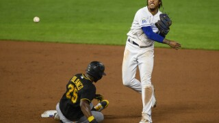 Royals defeat Pirates