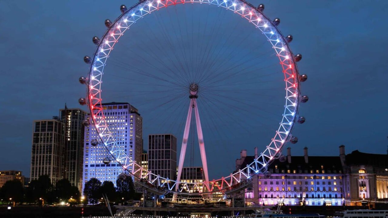 London Eye rotates backwards for first time
