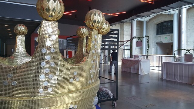 GALLERY: Union Station prepares for Royal wedding