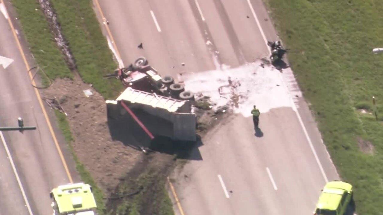 Deadly-Dump-Truck-Crash-Beeline-Highway-10-9-20.jpg