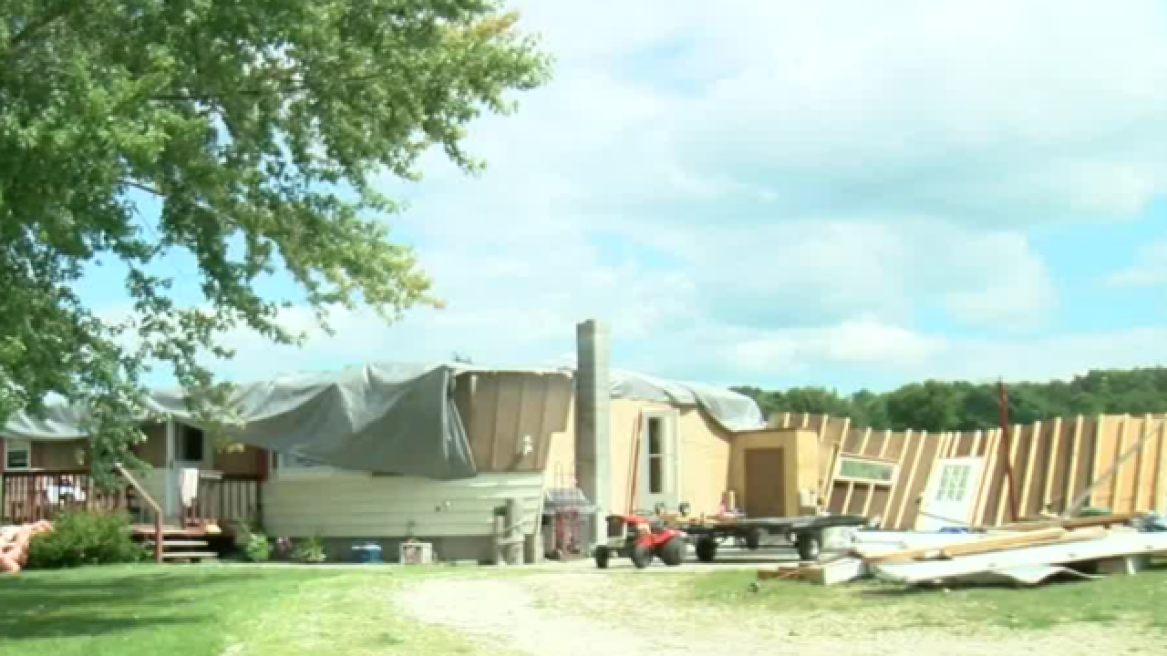'I thought we were dead': Roof ripped off family's home in Fond du Lac County