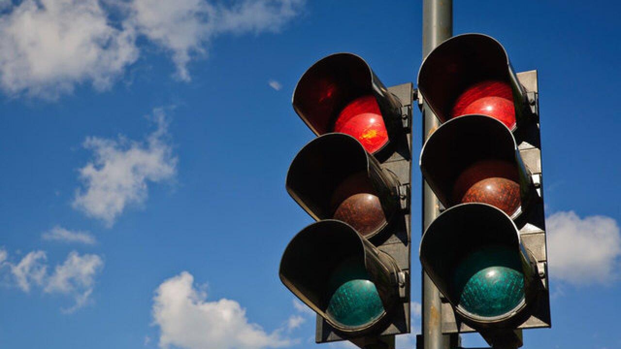 Suburban Boca Raton community fights for traffic light