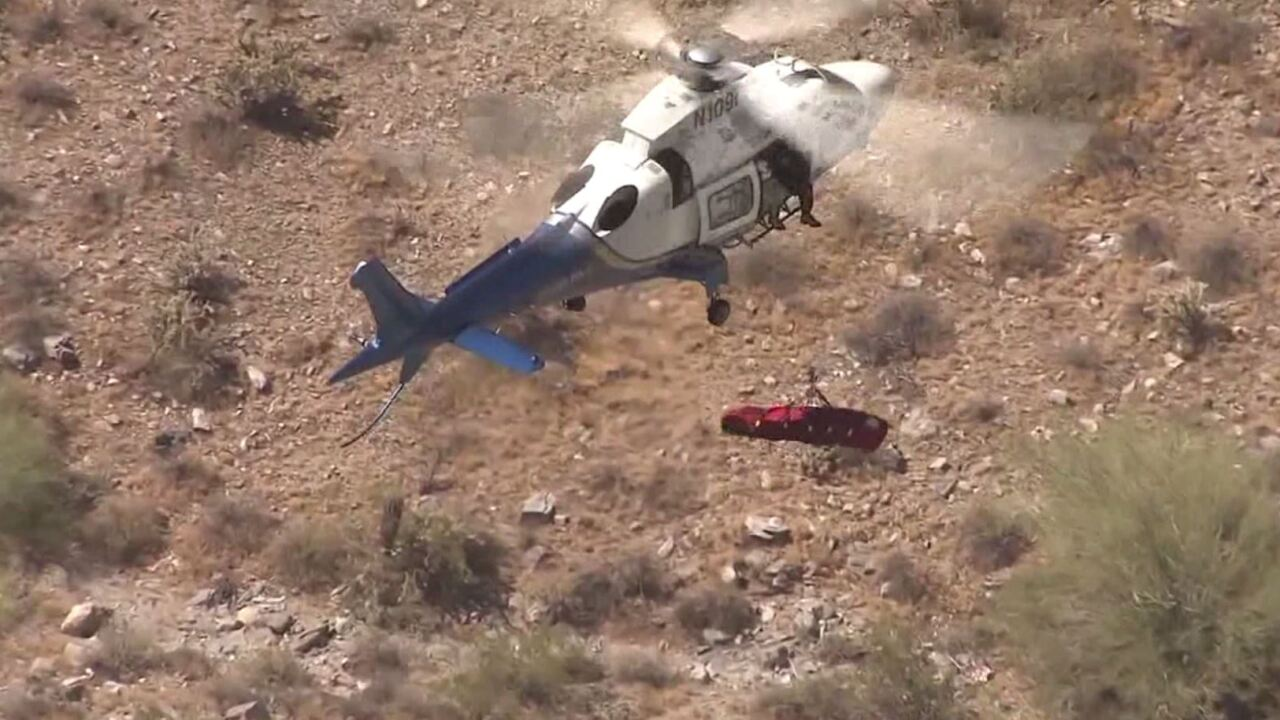 VIDEO: Injured hiker spins in basket during helicopter rescue inArizona