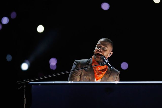 Super Bowl halftime: Justin Timberlake takes the stage