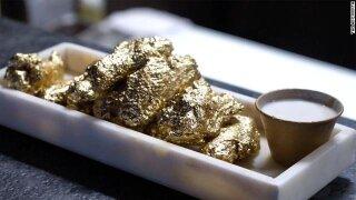 New York City restaurant serves 24 karat gold wings