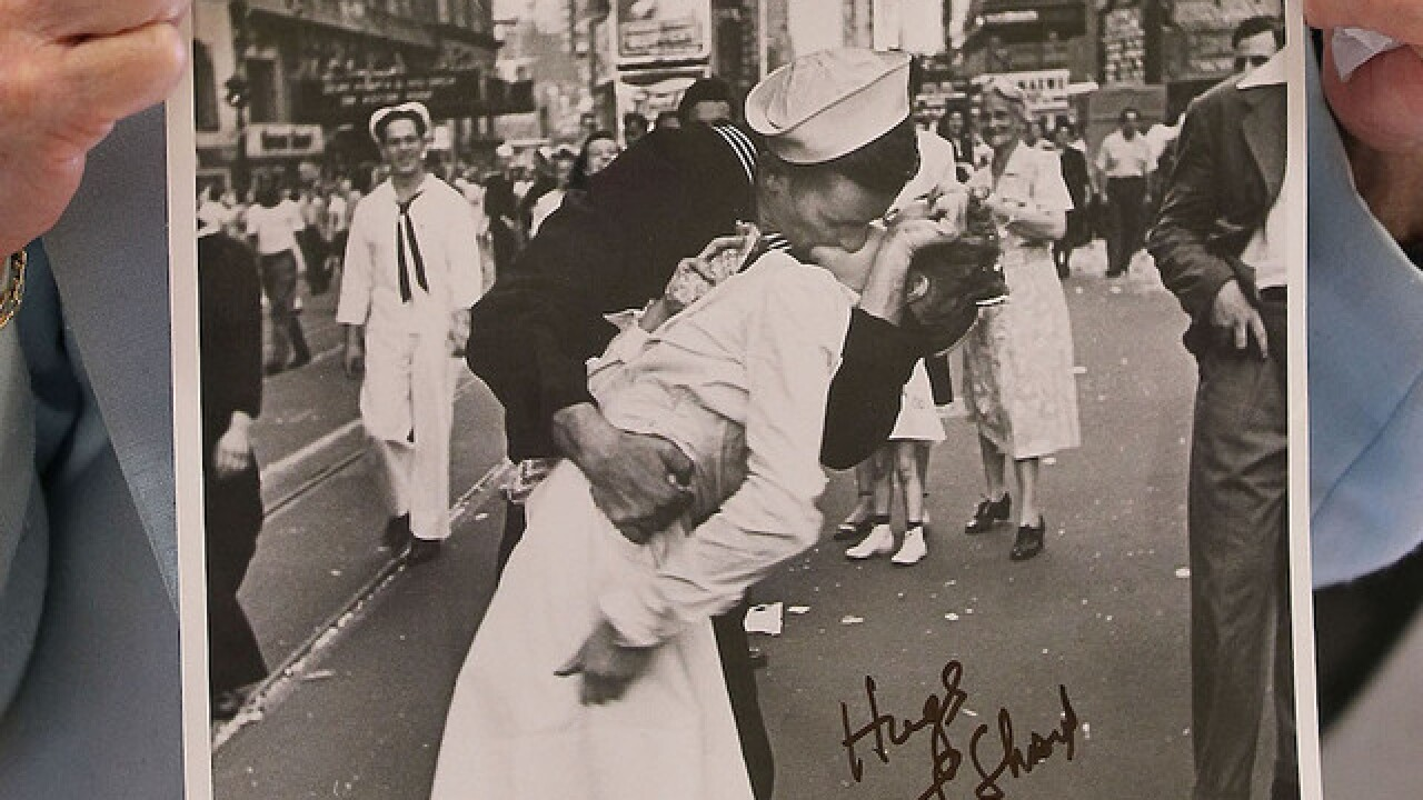 Woman in beloved WWII sailor's kiss photo dies at 92