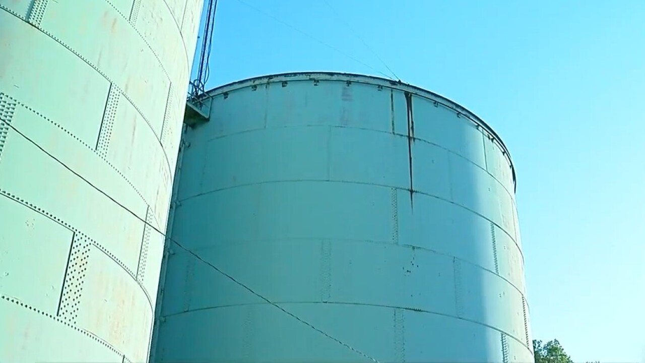 Norwood_water_towers.jpg