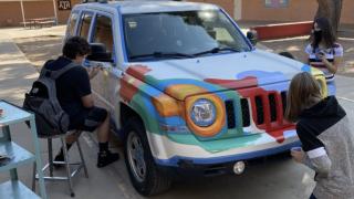 Mesa teacher lets students paint car