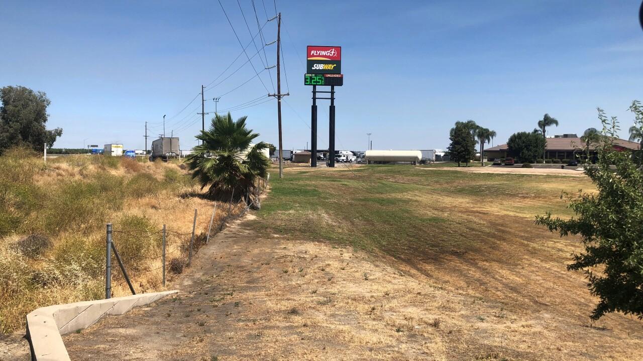 Flying J Truck Stop, Zachary Lane, Bakersfield