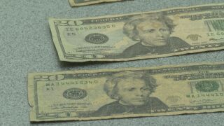 U.S. Secret Service offers advice on how to detect counterfeit cash