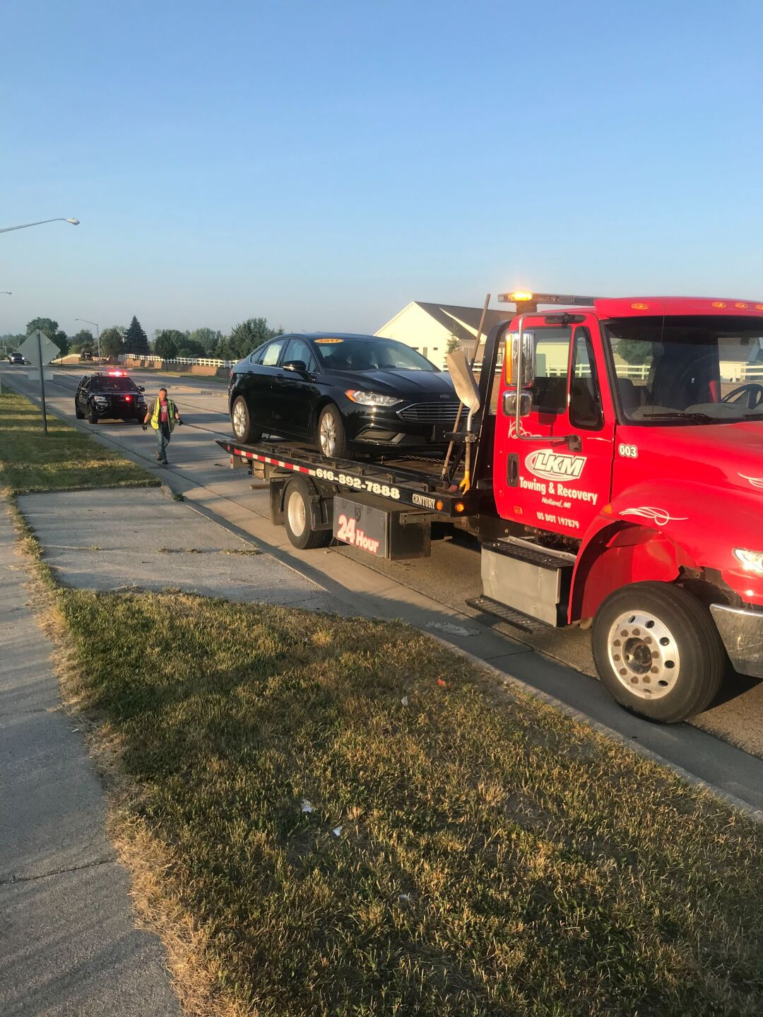 Used car found in Wyoming after pursuit following car dealership break-in