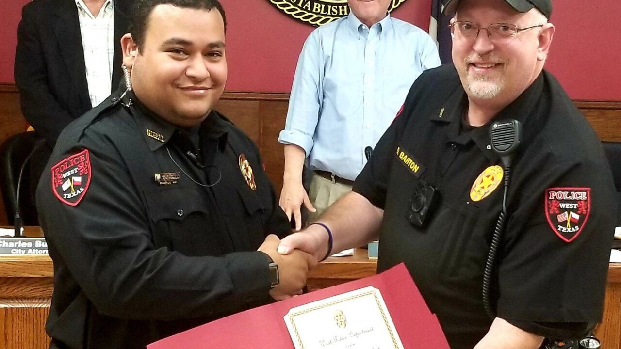 Central Texas officer honored by city after performing CPR on unresponsive woman