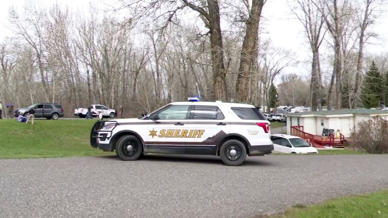 Hostage situation with armed suspect in Gallatin County