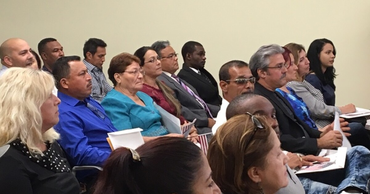Fort Myers welcomes 27 new citizens in naturalization ceremony