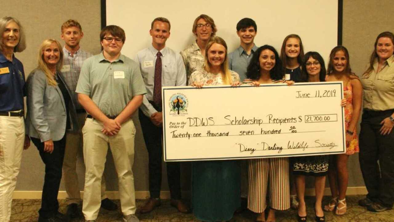 Ding Darling scholarship winners.jpg