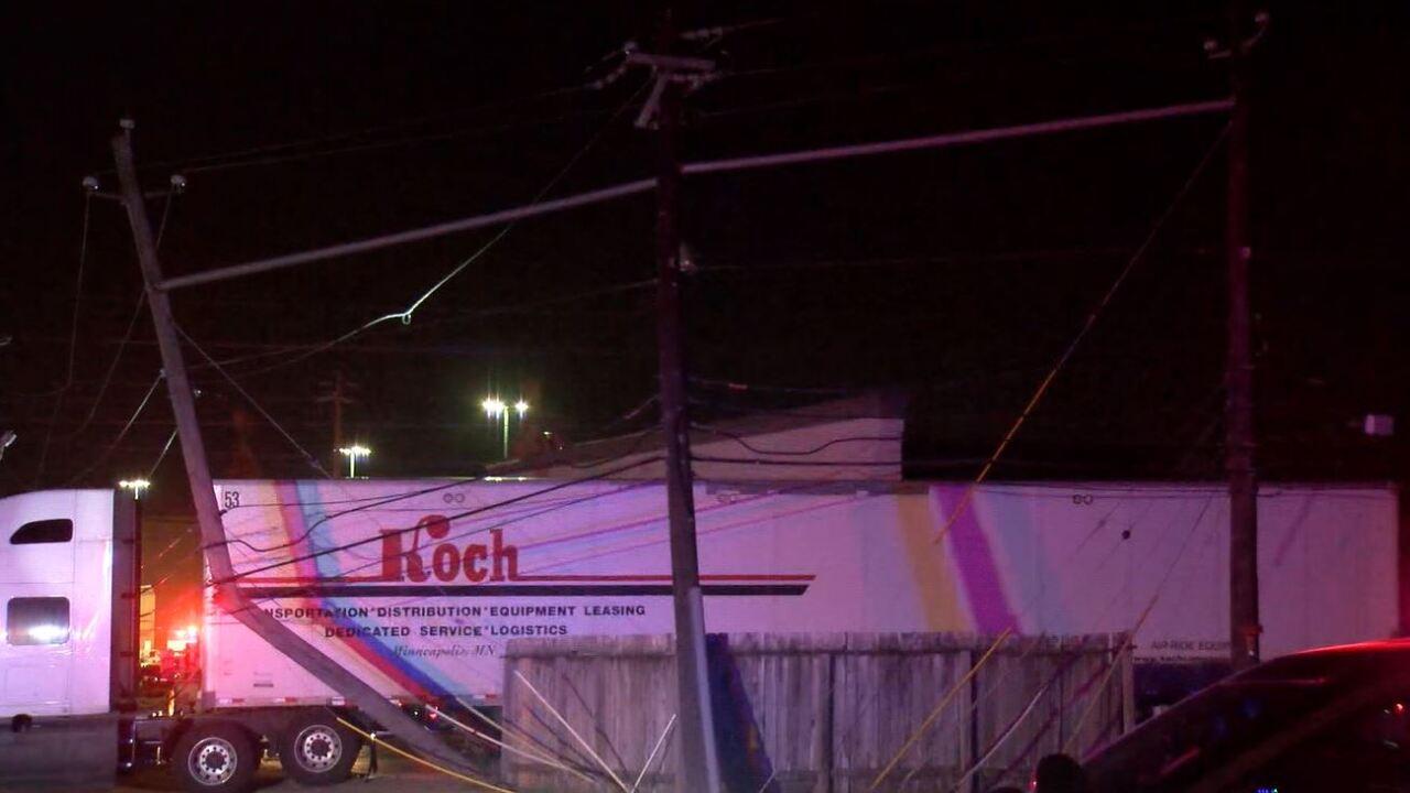 truck snags power lines.JPG