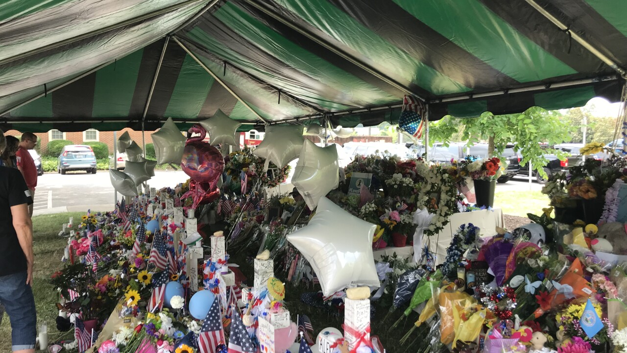 Community comes together to support mourners at city memorial