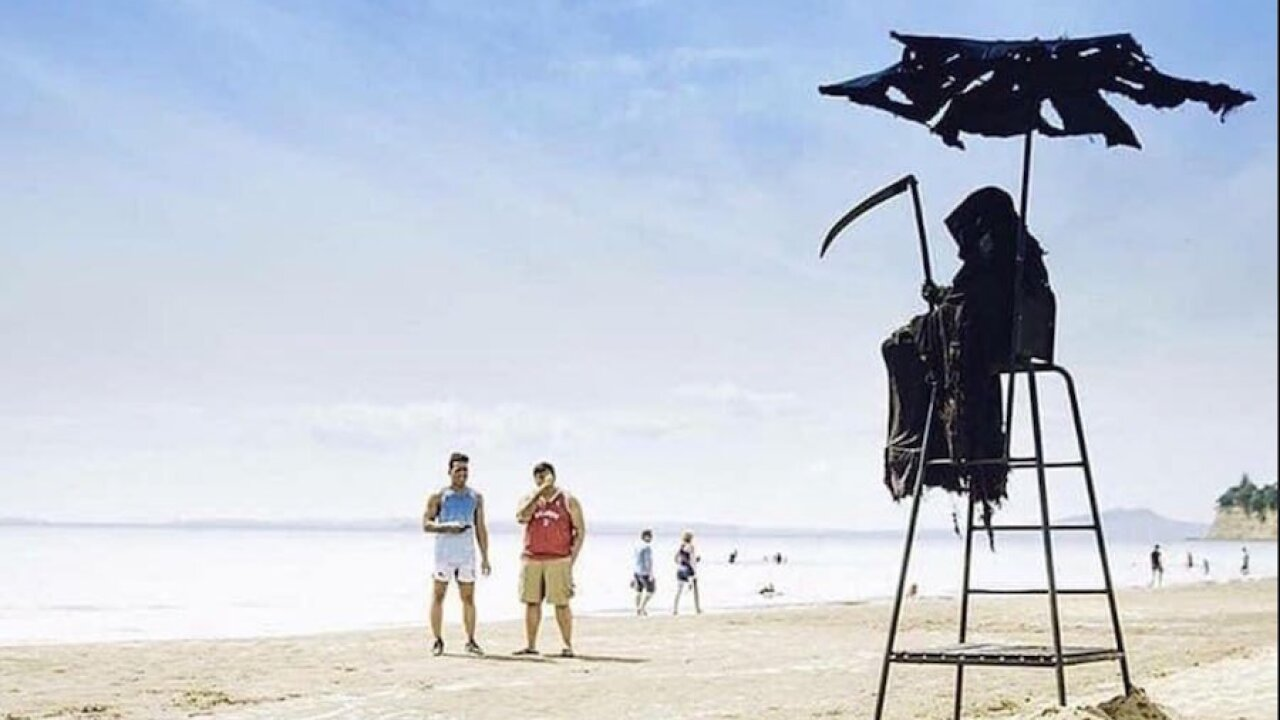 Florida lawyer dressing up as Grim Reaper to warn beachgoers to keep their distance