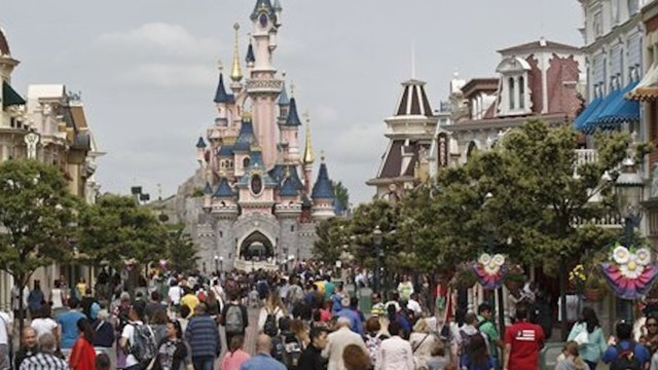Worker dies at Disneyland Paris haunted house