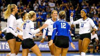 kentucky volleyball downs florida.jpg