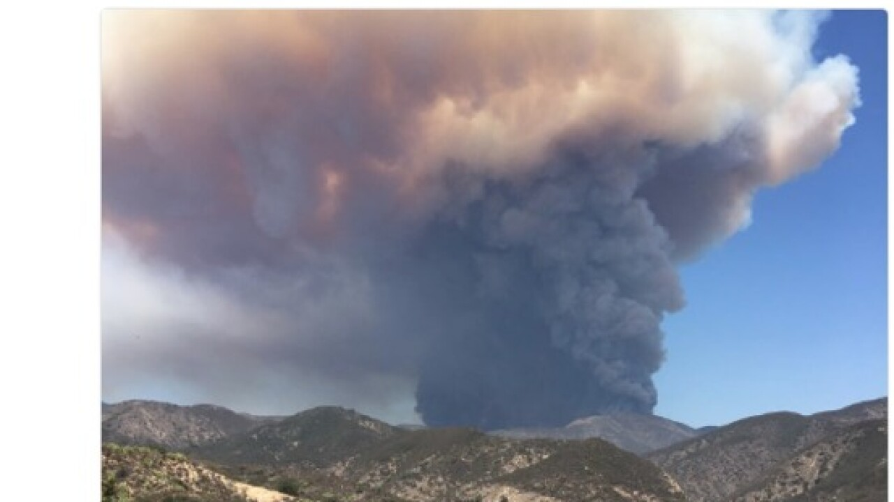 Holy Fire burns in Southern California, Trabuco and Holy Jim Canyon evacuated, over 1200 acres