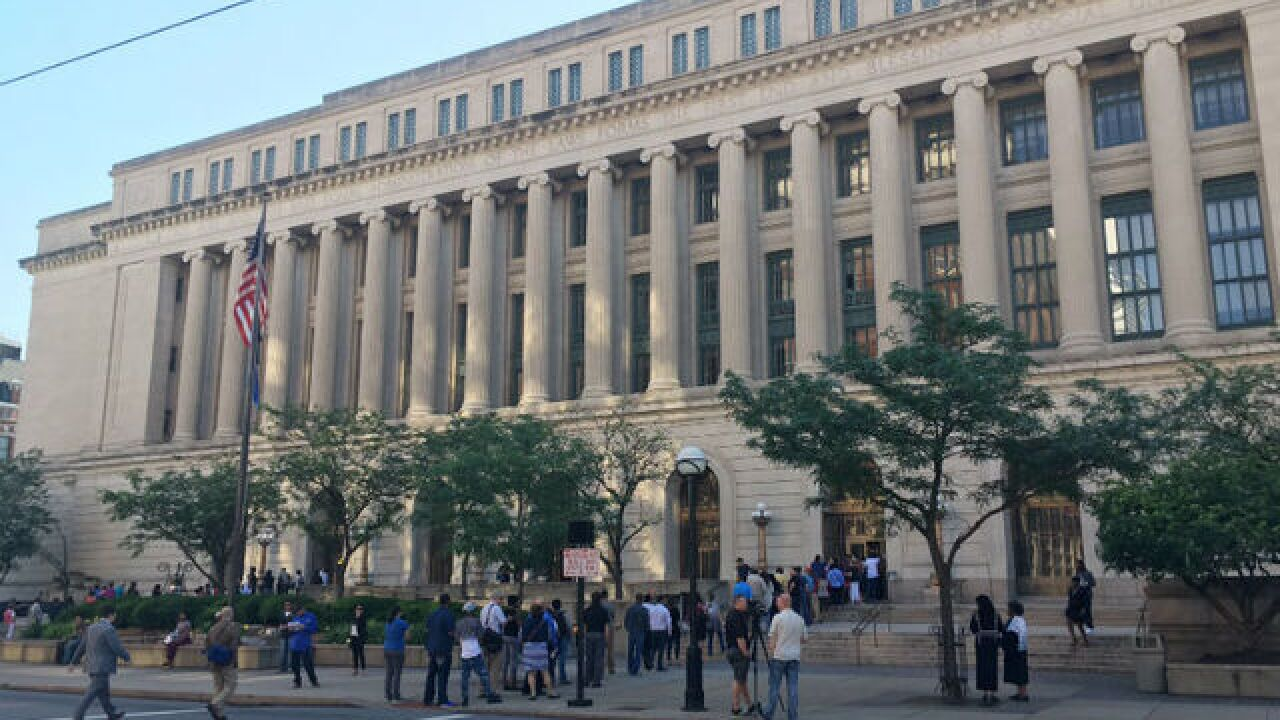 Plain-clothes ICE agents have been entering Cincinnati courthouse to detain migrants