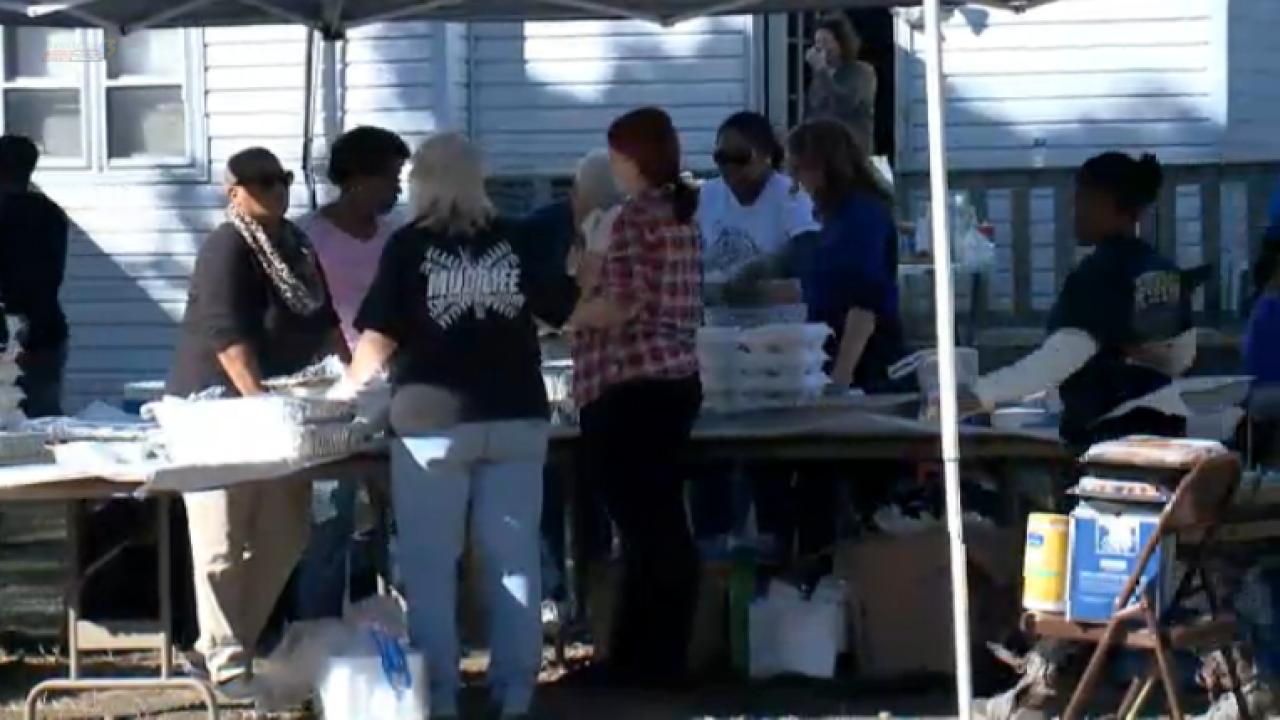 Chesapeake family spends 6th year hosting Thanksgiving CommunityDinner