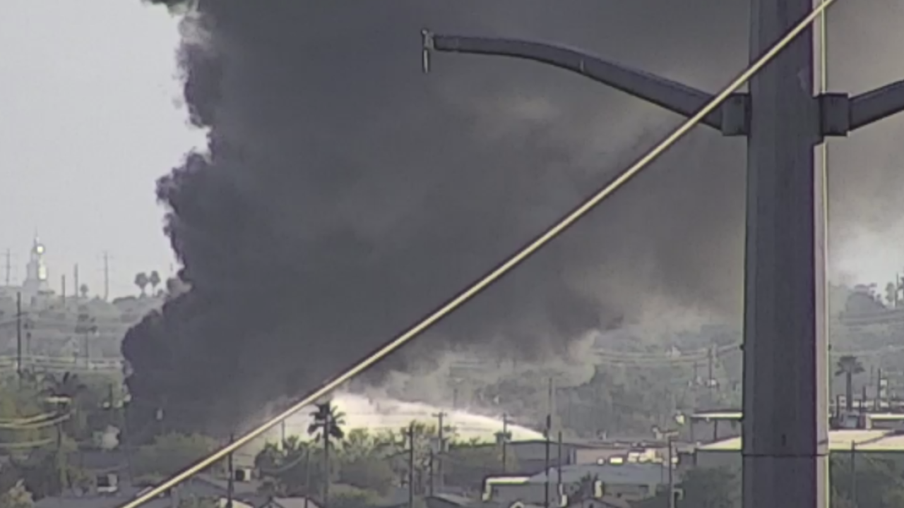 Junkyard fire in South Phoenix