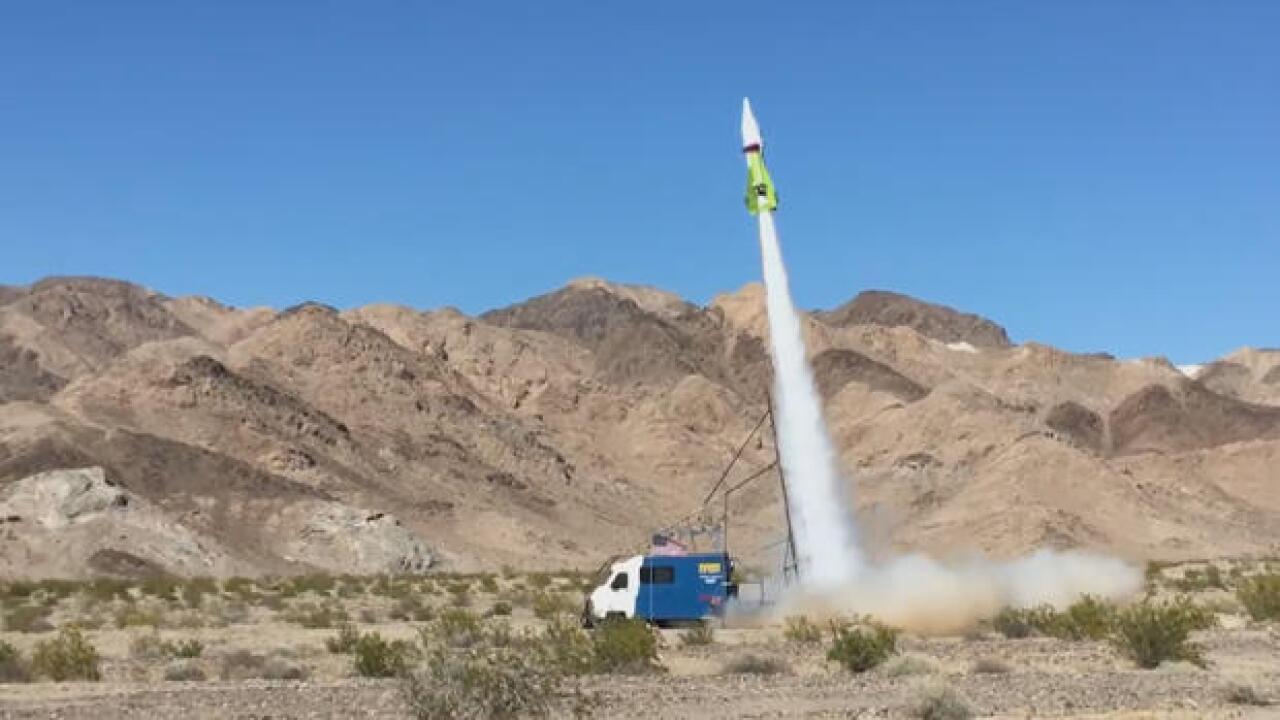 flat-earth-mad-mike-hughes-steam-powered-rocket-620.jpg