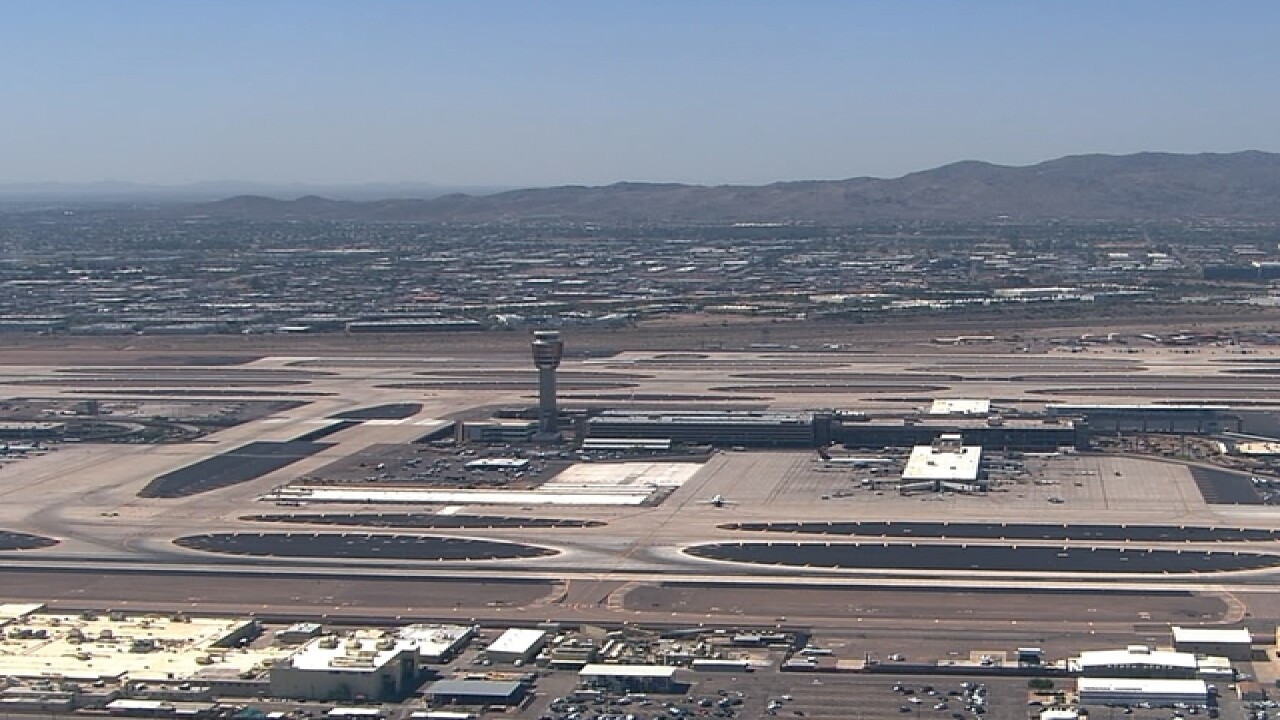 Phoenix Sky Harbor Airport hikes parking fees