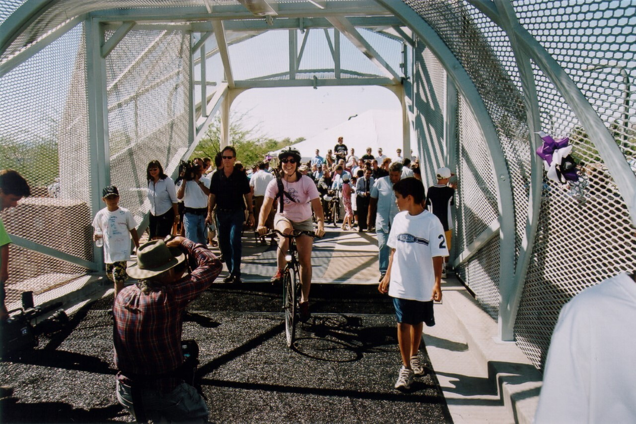 First riddlers and walkers across Rattlesnake Bridge in May of 2002