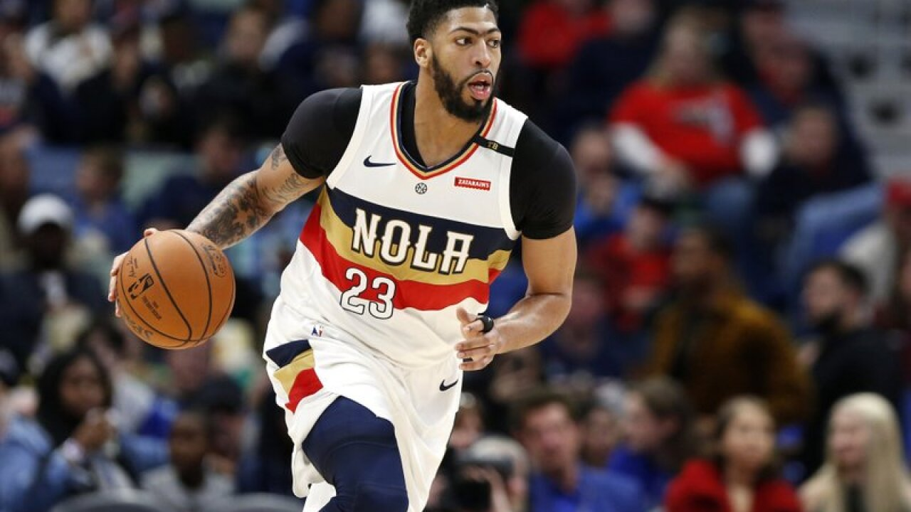 ANTHONY DAVIS WITH PELICANS