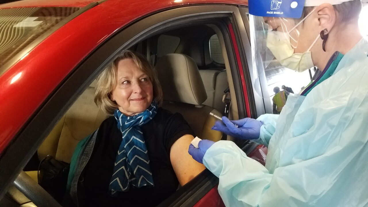 Judy Harris receives COVID-19 vaccine