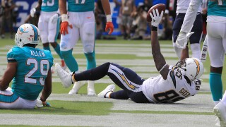 Chargers' Antonio Gates sets mark with 112th TD as tight end