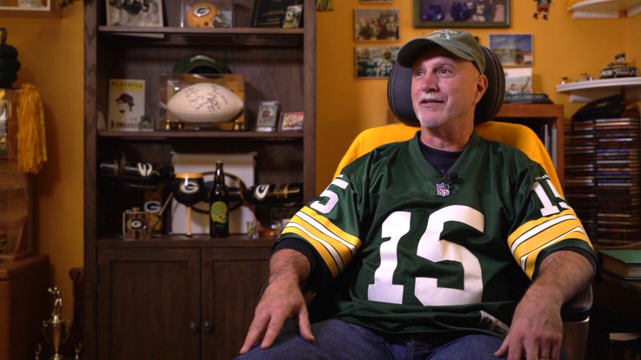 Chesterfield man seeks to be the ultimate Green Bay Packerbacker