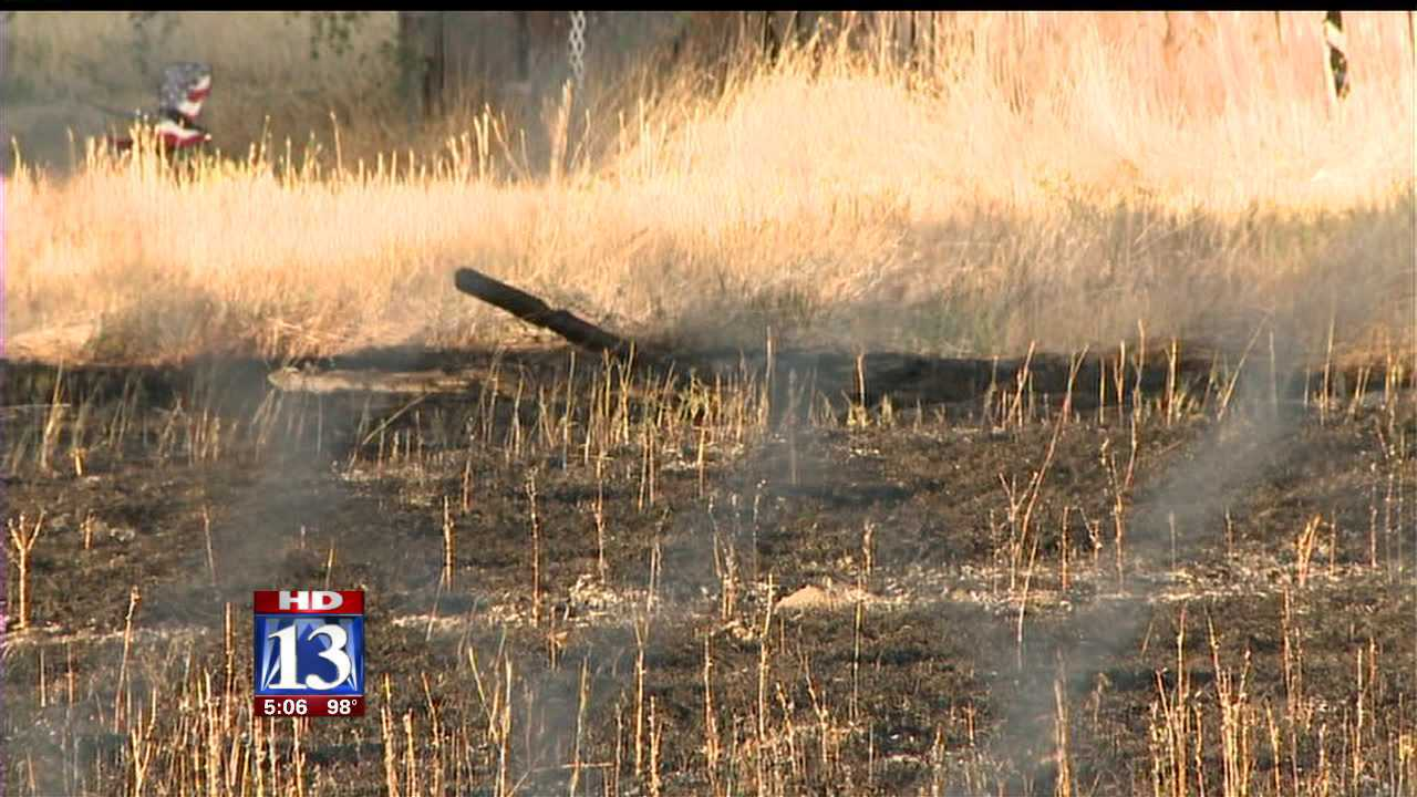 Brush fire sparks off of Redwood Rd.