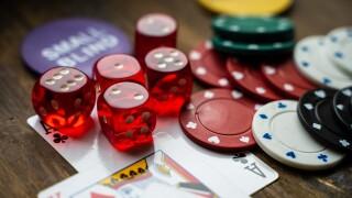 gambling-4178462_1920.jpg