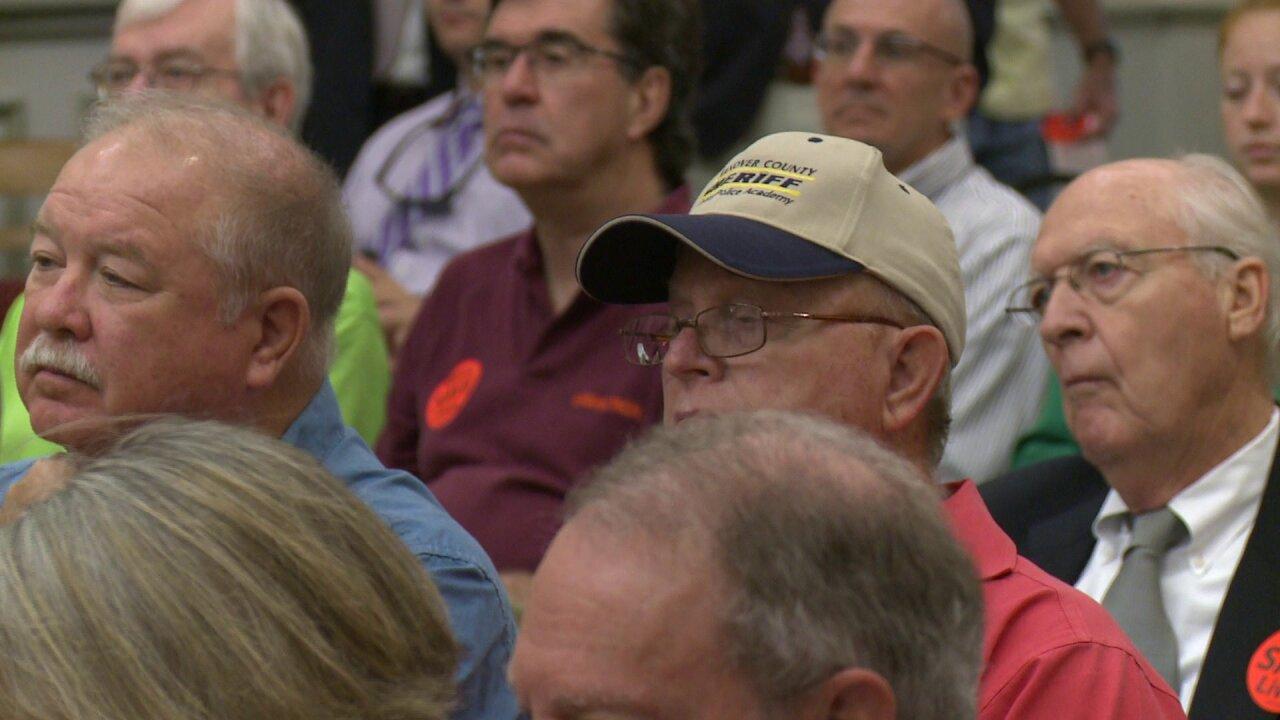 Gun owners vocal at public hearing over gun ban in statebuildings
