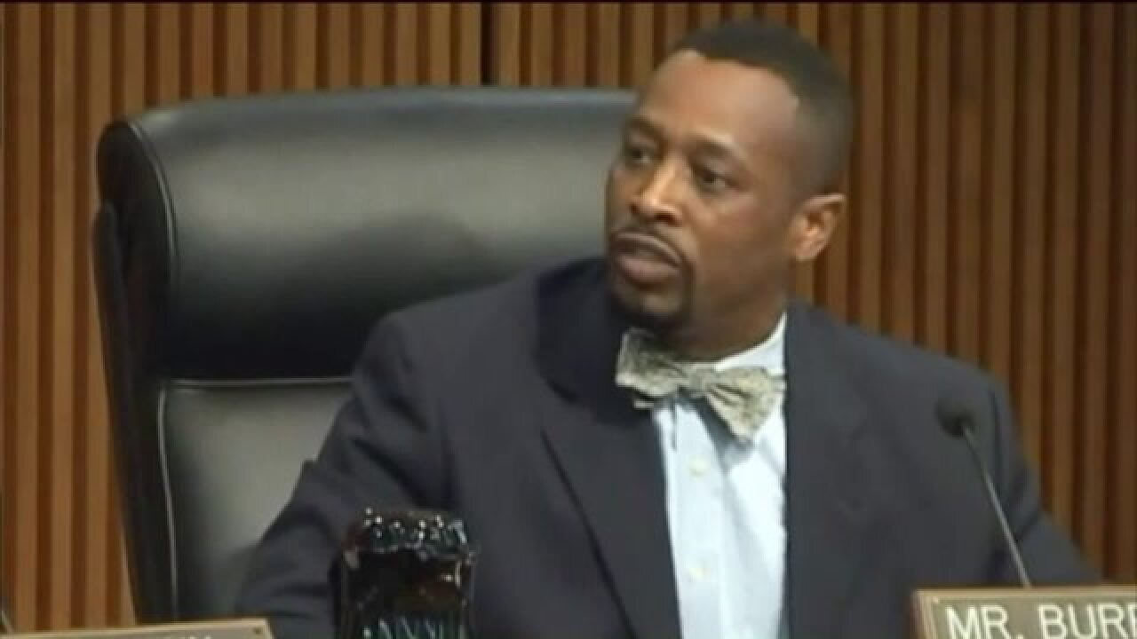 Committee turns in petitions asking for recall of Norfolk CityTreasurer