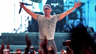 Kenny Chesney to return to Miller Park