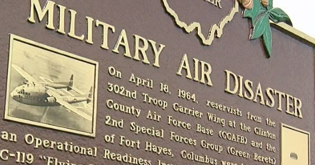 Plaque honors victims of 1964 military plane collision over
