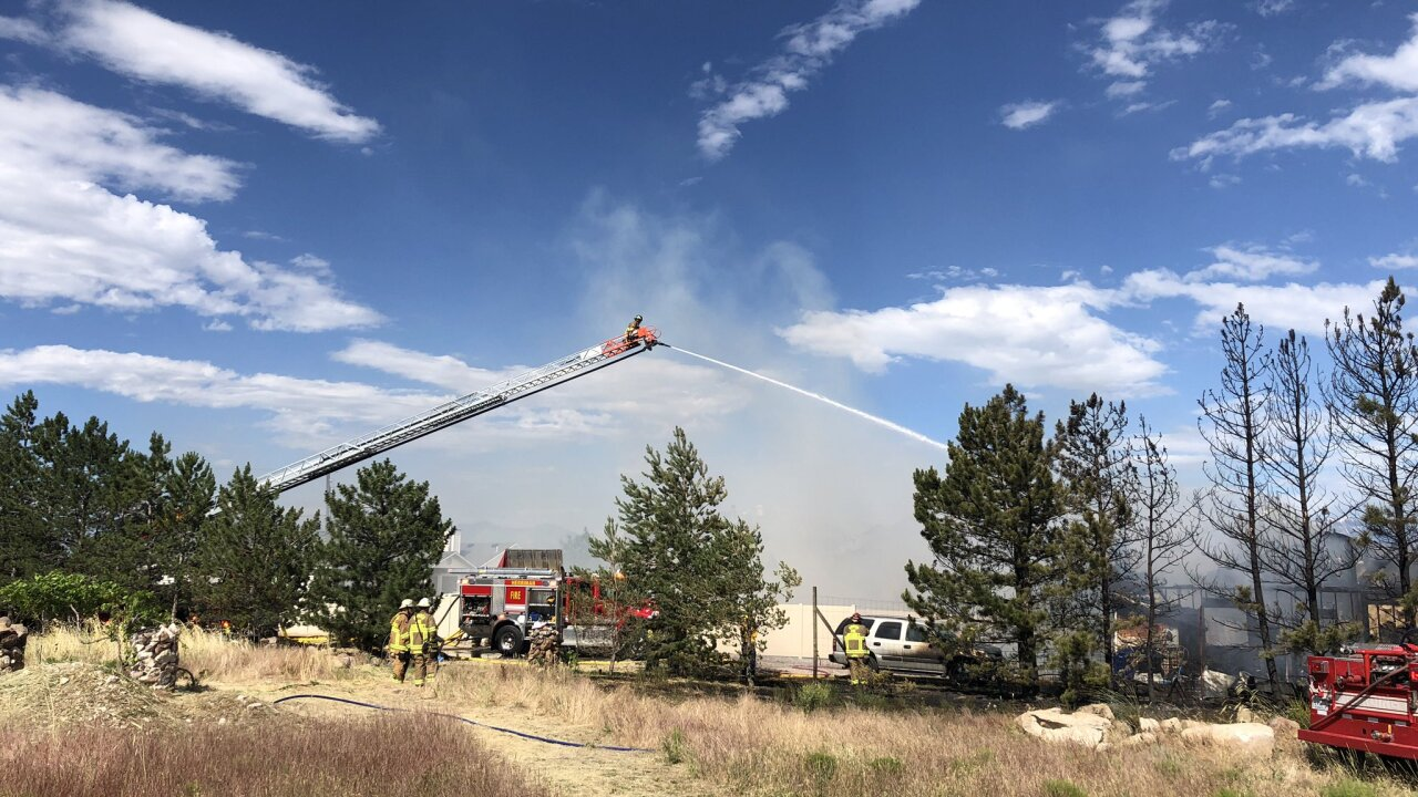 Family of 9 safe after fire destroys Herrimanhome