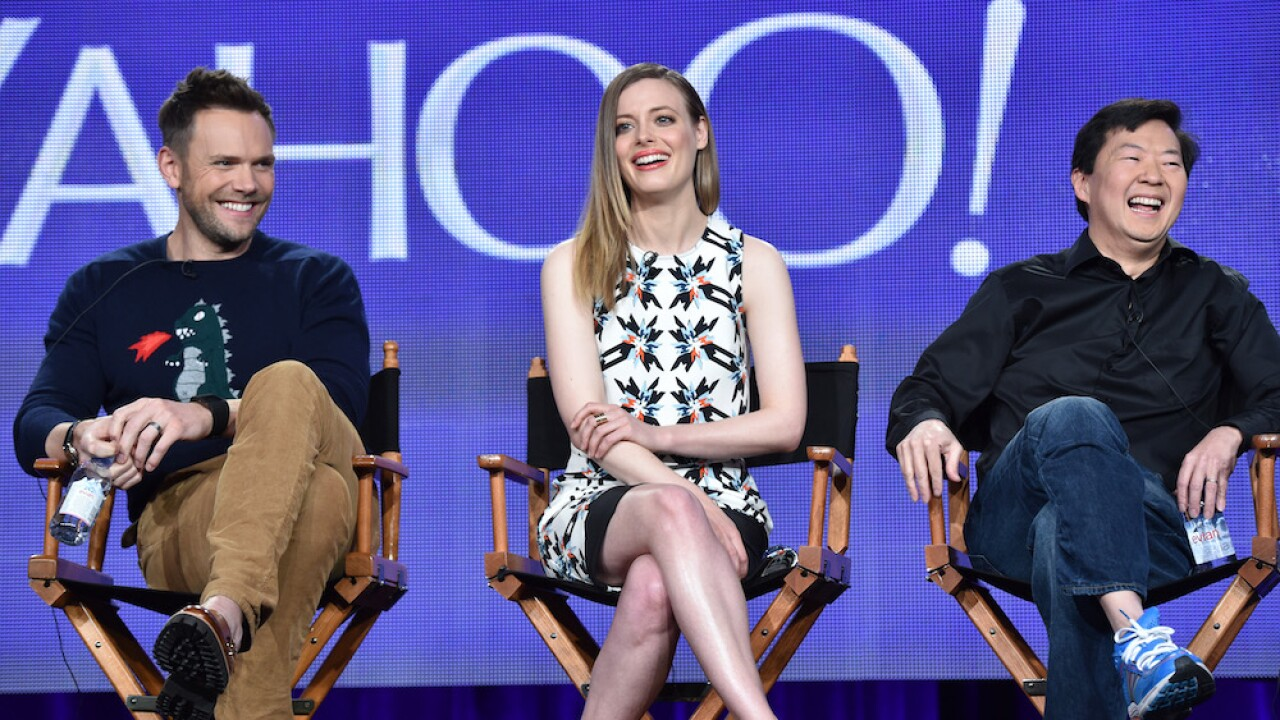 Cast of 'Community' to reunite for live table read in support of COVID-19 relief