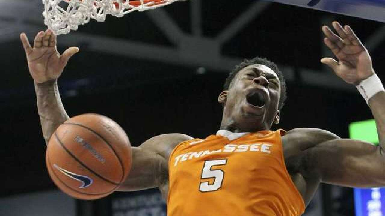 Vols Move Into First Place After Road Romp
