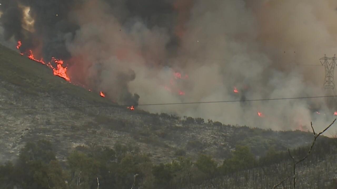 valley_fire_flames_smoke.jpg