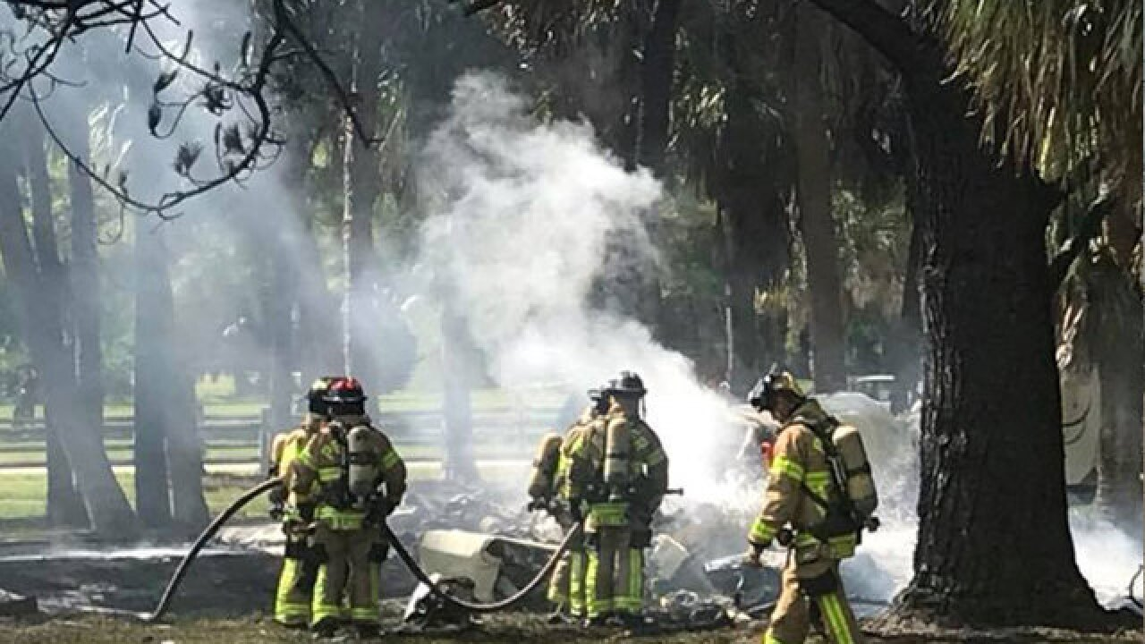 Small plane crashes in Lake Worth