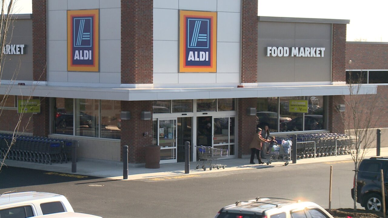 ALDI grocery store open doors at Forest Hill Avenuelocation