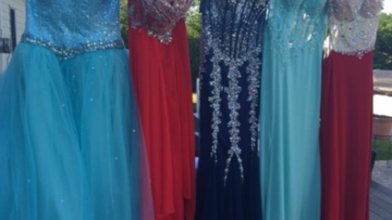 d742b319d37 Free prom dress shopping this weekend
